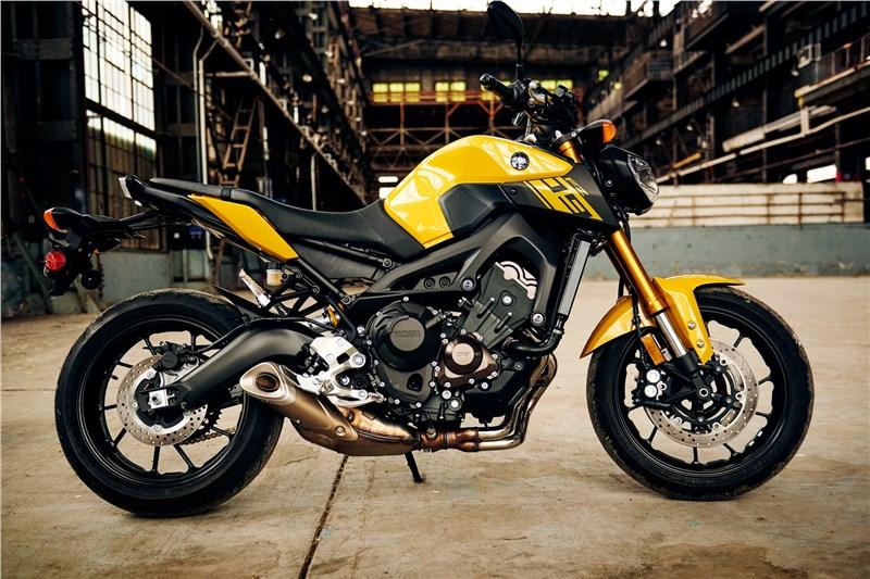 2015 fz 09 accessories autos post for Yamaha fz09 specs