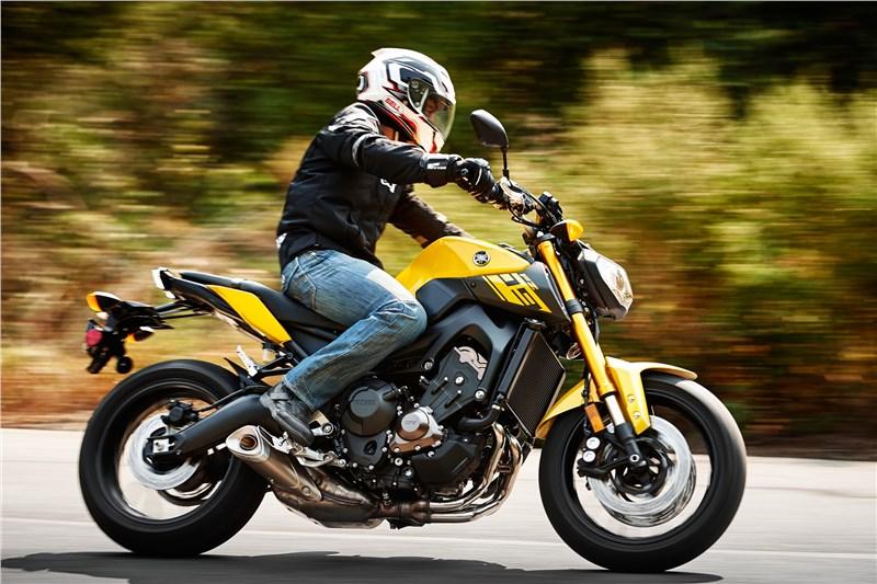 2015 fz09 reviews autos post for Yamaha fz09 specs